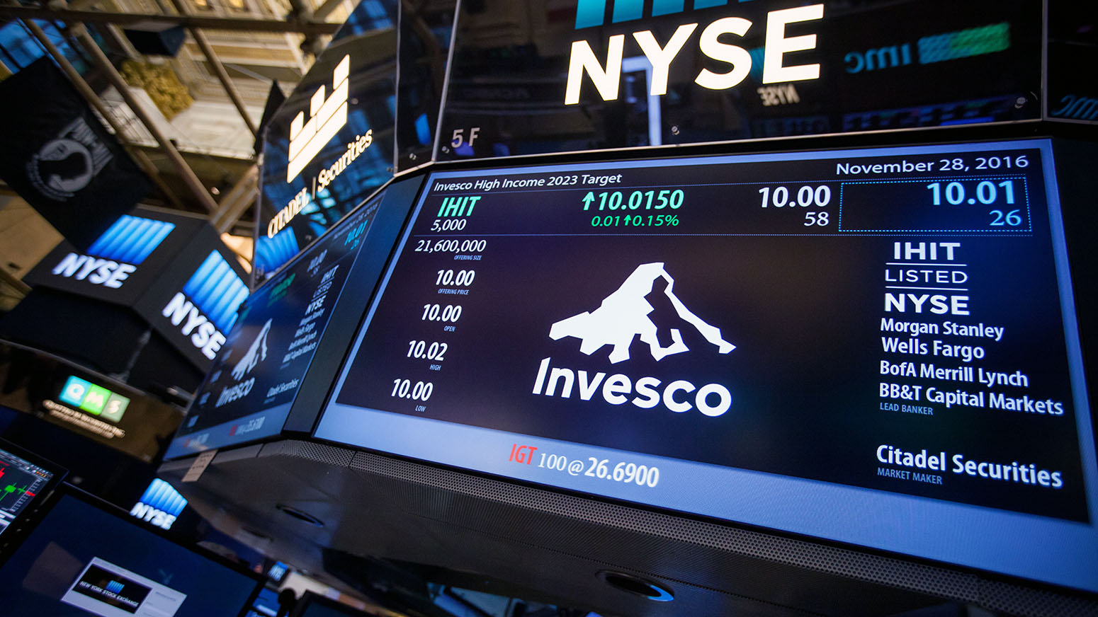 Invesco to cut 850 jobs at OppenheimerFunds after acquisition