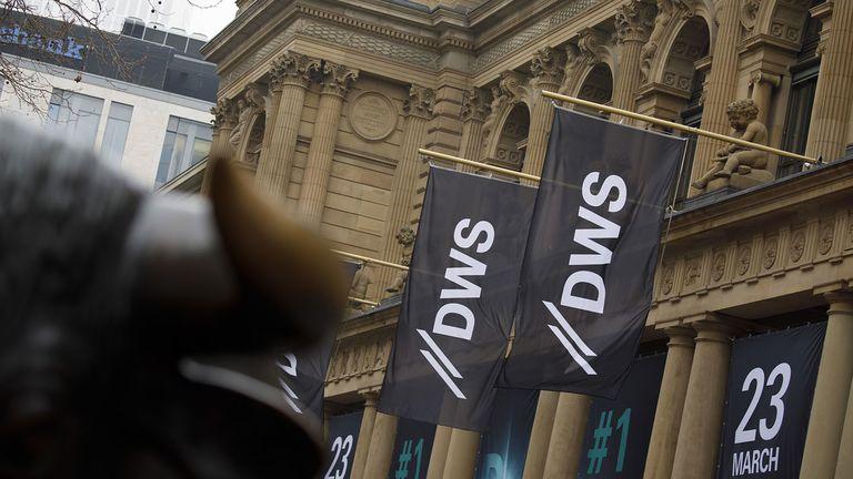 DWS and Northwestern Mutual team up on alternatives