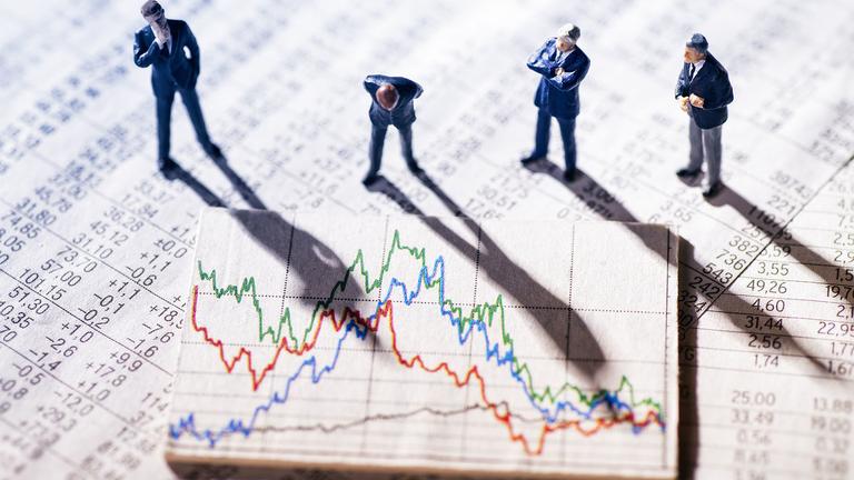 Long-duration strategies again reign supreme among bond strategies