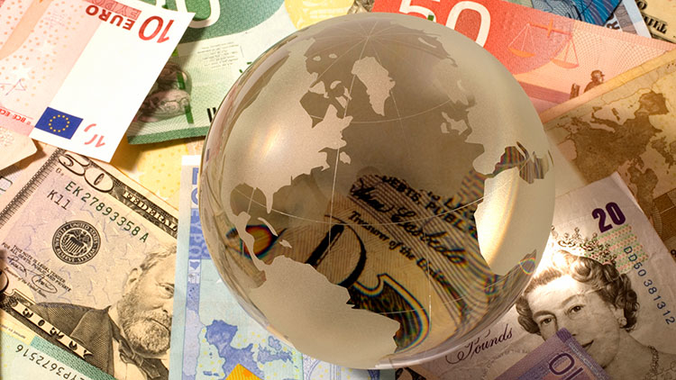 Global curve carry strategies have potential to outperform – paper