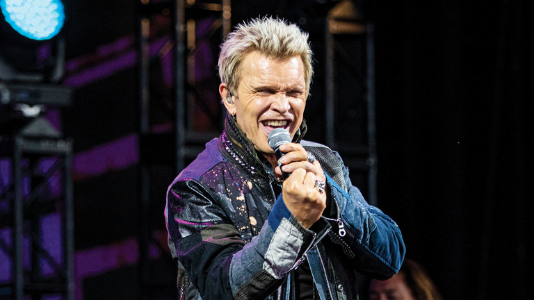 Managers turn up volume with Billy Idol fundraiser