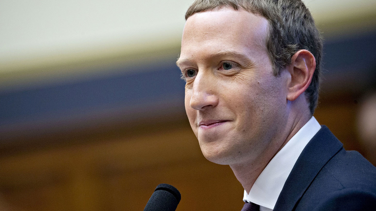 Institutional investor group wants Facebook's Zuckerberg to give up chairman post